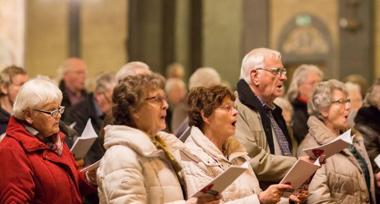 Zingen van Advent - DuitslandZingen in de Altstadt Kirche van Düsseldorf