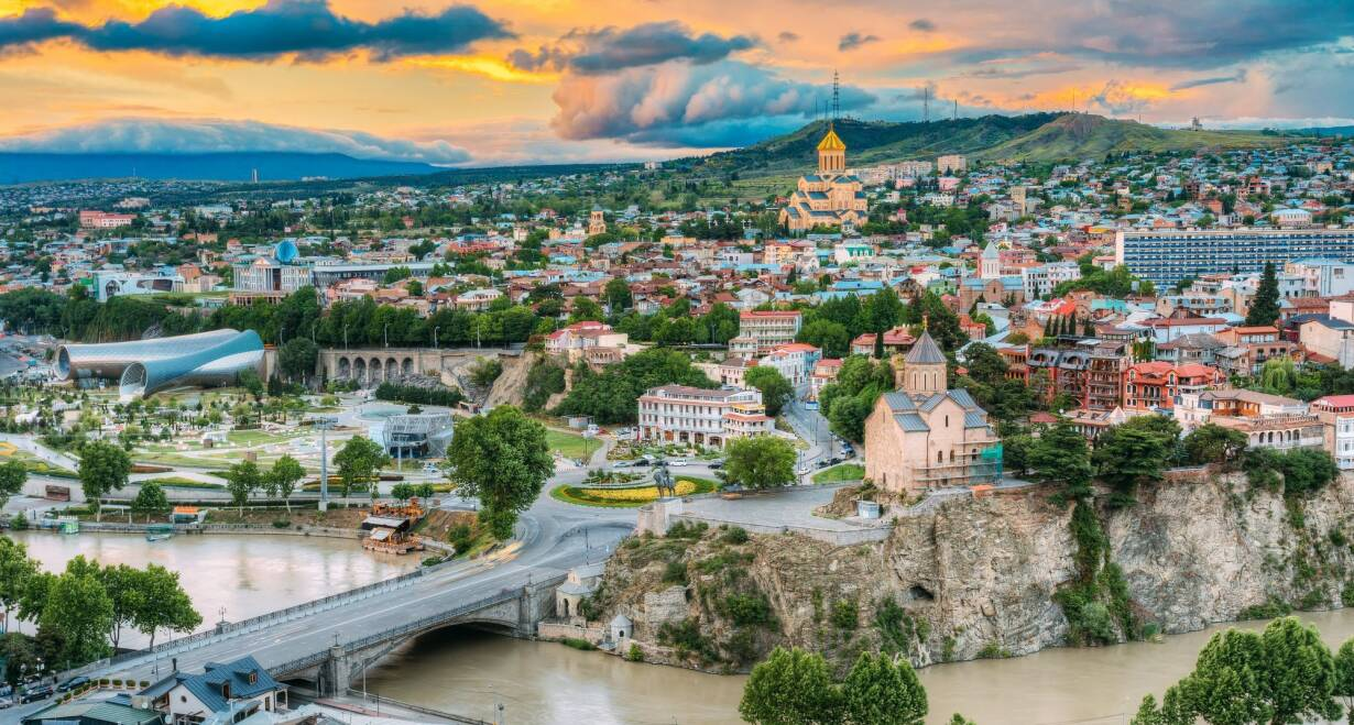 Rondreis Georgië & Armenië: kloosters en Kaukasus - GeorgiëStadstour Tbilisi