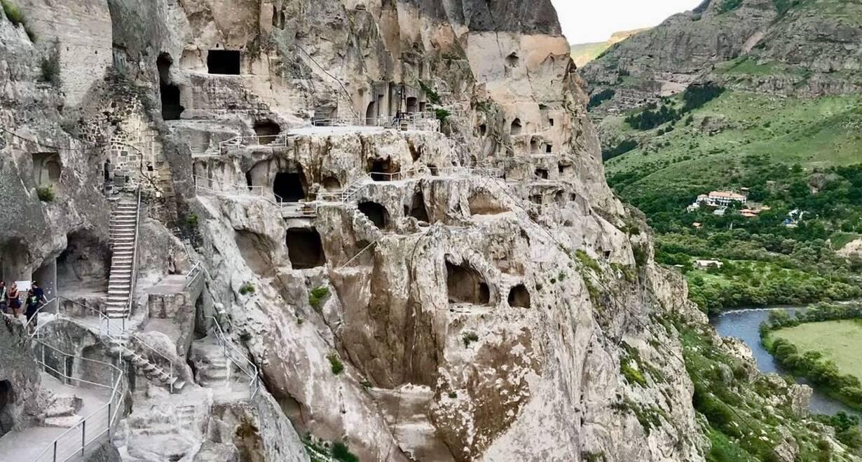 Rondreis Georgië & Armenië: kloosters en Kaukasus - GeorgiëMtskheta – Gori – Uplistsikhe