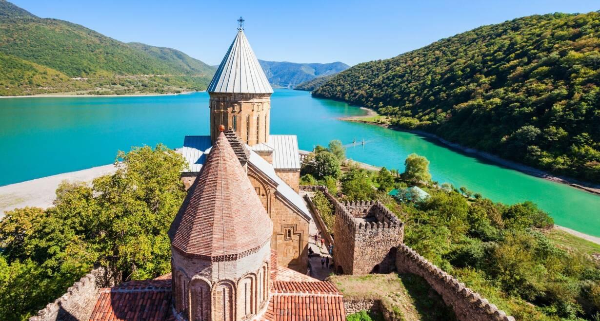 Rondreis Georgië & Armenië: kloosters en Kaukasus - GeorgiëRustdag, zo mogelijk lokaal kerkbezoek